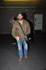 Arshad Warsi snapped at airport on 1st Aug 2016 (26)_57a03a8e87880.JPG