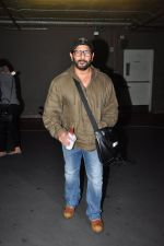 Arshad Warsi snapped at airport on 1st Aug 2016 (27)_57a03a8f6b1a5.JPG