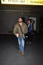 Arshad Warsi snapped at airport on 1st Aug 2016 (28)_57a03a9047e9f.JPG