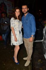 Dia Mirza and Sahil Sangha on a dinner date on 1st Aug 2016 (9)_57a021d845830.JPG