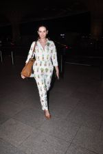 Evelyn Sharma snapped at airport on 1st Aug 2016 (11)_57a03a9ccb7e0.JPG