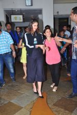 Ileana D_Cruz at Rustom promotions in Mumbai on 1st Aug 2016 (9)_57a016b4f0eb9.JPG