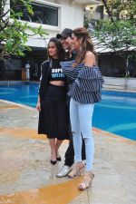 Ileana D_Cruz, Akshay Kumar, Esha Gupta at Rustom promotions in Mumbai on 1st Aug 2016 (17)_57a01650061a6.JPG