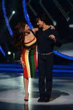 Jacqueline Fernandez and Tiger Shroff during the promotion of film A Flying Jatt on the sets of reality dance show Jhalak Dikhhla Jaa season 9 in Mumbai, India on August 2 2016 (10)_57a09e03d4d5c.jpg