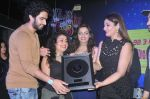 Raveena Tandon, Amaal Mallik at the Officer_s Choice Blue Mirchi Top 20 charts of 2016 on 1st Aug 2016 (24)_57a01ae8720fc.JPG