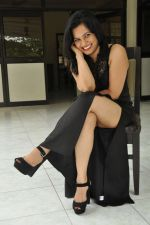 Revathi Chowdary Photoshoot (50)_57a02032ad873.JPG