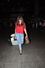 Richa Chadda snapped at airport on 1st Aug 2016 (20)_57a03ac221db5.JPG