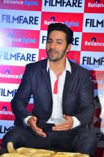 Varun Dhawan at filmfare cover launch on 1st Aug 2016 (16)_57a022124bb47.JPG