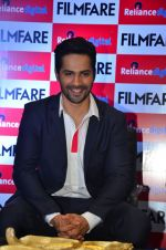 Varun Dhawan at filmfare cover launch on 1st Aug 2016 (5)_57a01c614225d.jpg