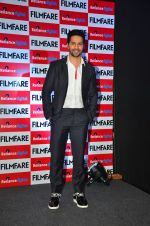 Varun Dhawan at filmfare cover launch on 1st Aug 2016 (6)_57a01c57093ab.jpg