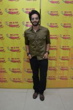 Ali Fazal at Radio Mirchi studio to promote their upcoming film Happy Bhag Jayegi on August 2nd 2016 (13)_57a16eb5e10ee.JPG