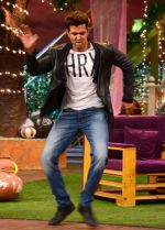 Hrithik Roshan promote Mohenjo Daro on the sets of The Kapil Sharma Show on 2nd Aug 2016 (119)_57a1734f0956a.JPG