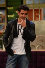 Hrithik Roshan promote Mohenjo Daro on the sets of The Kapil Sharma Show on 2nd Aug 2016 (141)_57a1736d41928.JPG