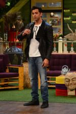 Hrithik Roshan promote Mohenjo Daro on the sets of The Kapil Sharma Show on 2nd Aug 2016 (150)_57a17375a079e.JPG