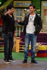 Hrithik Roshan promote Mohenjo Daro on the sets of The Kapil Sharma Show on 2nd Aug 2016 (164)_57a1738dd021d.JPG