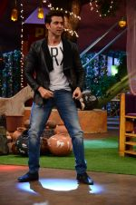 Hrithik Roshan promote Mohenjo Daro on the sets of The Kapil Sharma Show on 2nd Aug 2016 (181)_57a173a2cfe3e.JPG