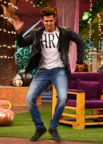 Hrithik Roshan promote Mohenjo Daro on the sets of The Kapil Sharma Show on 2nd Aug 2016 (4)_57a1734574df6.JPG