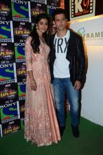 Hrithik Roshan, Pooja Hegde promote Mohenjo Daro on the sets of The Kapil Sharma Show on 2nd Aug 2016 (32)_57a172c700418.JPG