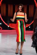 Jacqueline Fernandez during the promotion of film A Flying Jatt on the sets of reality dance show Jhalak Dikhhla Jaa season 9 in Mumbai, India on August 2 2016 (46)_57a18aa096de3.JPG