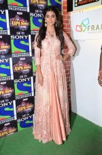 Pooja Hegde promote Mohenjo Daro on the sets of The Kapil Sharma Show on 2nd Aug 2016 (40)_57a172e37ac88.JPG