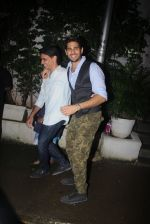 Siddharth Malhotra with Bar Bar Dekho teamat a party on 2nd Aug 2016 (22)_57a1677bdd2f5.JPG