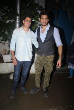 Sidharth Malhotra with Bar Bar Dekho teamat a party on 2nd Aug 2016 (40)_57a167808e0f0.JPG