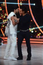 Tiger Shroff during the promotion of film A Flying Jatt on the sets of reality dance show Jhalak Dikhhla Jaa season 9 in Mumbai, India on August 2 2016 (120)_57a18bd8cad99.JPG