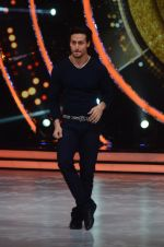 Tiger Shroff during the promotion of film A Flying Jatt on the sets of reality dance show Jhalak Dikhhla Jaa season 9 in Mumbai, India on August 2 2016 (121)_57a18bd9c0604.JPG
