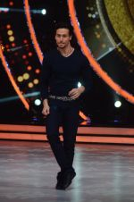 Tiger Shroff during the promotion of film A Flying Jatt on the sets of reality dance show Jhalak Dikhhla Jaa season 9 in Mumbai, India on August 2 2016 (122)_57a18bdb08546.JPG