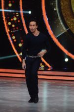 Tiger Shroff during the promotion of film A Flying Jatt on the sets of reality dance show Jhalak Dikhhla Jaa season 9 in Mumbai, India on August 2 2016 (123)_57a18bdc14c0c.JPG