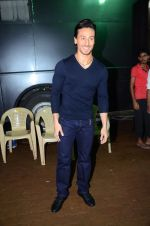 Tiger Shroff during the promotion of film A Flying Jatt on the sets of reality dance show Jhalak Dikhhla Jaa season 9 in Mumbai, India on August 2 2016 (3)_57a18bc813384.JPG