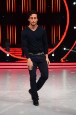 Tiger Shroff during the promotion of film A Flying Jatt on the sets of reality dance show Jhalak Dikhhla Jaa season 9 in Mumbai, India on August 2 2016 (34)_57a18bcdd9b0d.JPG