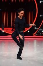 Tiger Shroff during the promotion of film A Flying Jatt on the sets of reality dance show Jhalak Dikhhla Jaa season 9 in Mumbai, India on August 2 2016 (36)_57a18bcf7f57b.JPG