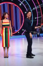 Tiger Shroff, Jacqueline during the promotion of film A Flying Jatt on the sets of reality dance show Jhalak Dikhhla Jaa season 9 in Mumbai, India on August 2 2016 (37)_57a18be4b8b42.JPG