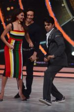 Tiger Shroff, Jacqueline during the promotion of film A Flying Jatt on the sets of reality dance show Jhalak Dikhhla Jaa season 9 in Mumbai, India on August 2 2016 (68)_57a18ab423713.JPG