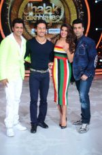 Tiger Shroff, Jacqueline, Karan, Ganesh promotion of film A Flying Jatt on the sets of reality dance show Jhalak Dikhhla Jaa season 9 in Mumbai, India on August 2 2016 (153)_57a18bf5a3980.JPG