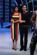 Tiger Shroff, Jacqueline during the promotion of film A Flying Jatt on the sets of reality dance show Jhalak Dikhhla Jaa season 9 in Mumbai, India on August 2 2016 (33)_57a18be325596.JPG