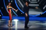 Tiger Shroff, Jacqueline during the promotion of film A Flying Jatt on the sets of reality dance show Jhalak Dikhhla Jaa season 9 in Mumbai, India on August 2 2016 (55)_57a18be9d1708.JPG