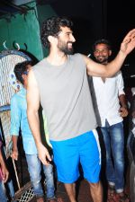 Aditya Roy Kapoor with Dream Team cast snapped post rehearsals on 3rd Aug 2016 (19)_57a2c28482a86.JPG