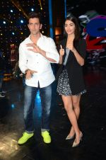 Hrithik Roshan and Pooja Hegde on sets of Dance plus 2 on 3rg Aug 2016 (145)_57a2b79f8c79c.JPG
