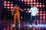 Hrithik Roshan on sets of Dance plus 2 on 3rg Aug 2016 (119)_57a2b8718c8d9.JPG