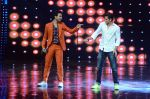 Hrithik Roshan on sets of Dance plus 2 on 3rg Aug 2016 (120)_57a2b872398a3.JPG