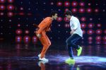 Hrithik Roshan on sets of Dance plus 2 on 3rg Aug 2016 (123)_57a2b8743b523.JPG
