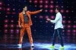 Hrithik Roshan on sets of Dance plus 2 on 3rg Aug 2016 (126)_57a2b8761c639.JPG