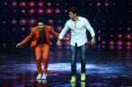 Hrithik Roshan on sets of Dance plus 2 on 3rg Aug 2016 (127)_57a2b876b234e.JPG
