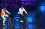 Hrithik Roshan on sets of Dance plus 2 on 3rg Aug 2016 (155)_57a2b88987dea.JPG