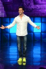 Hrithik Roshan on sets of Dance plus 2 on 3rg Aug 2016 (67)_57a2b85bebb77.JPG
