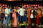 Hrithik Roshan on sets of Dance plus 2 on 3rg Aug 2016 (85)_57a2b869d70c7.JPG