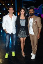 Hrithik Roshan, Pooja Hegde, Remo D Souza on sets of Dance plus 2 on 3rg Aug 2016