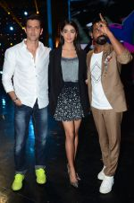 Hrithik Roshan, Pooja Hegde, Remo D Souza on sets of Dance plus 2 on 3rg Aug 2016 (138)_57a2b89a120e6.JPG